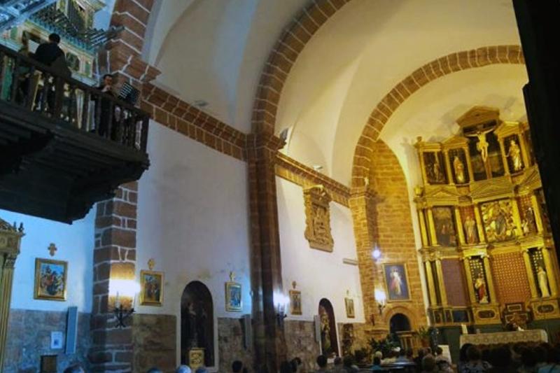 interior iglesia de santo domingo de guzmán organo